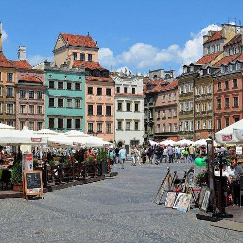 Warszawa zachęca turystów i mieszkańców do korzystania z aplikacji