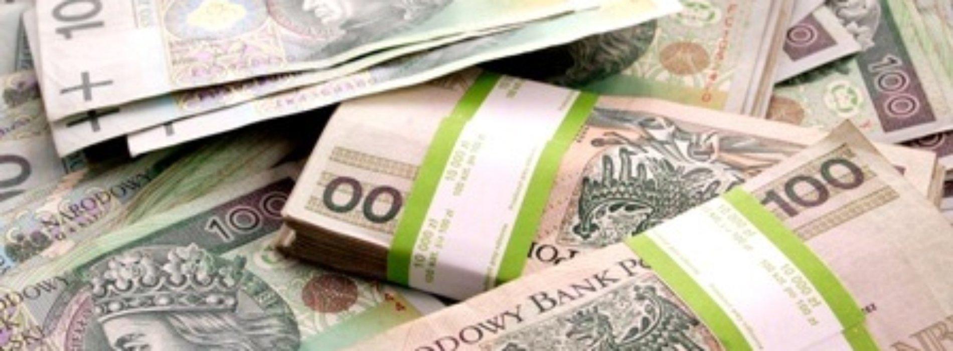 56-latka uwierzyła oszustom i straciła blisko 100 tys. złotych