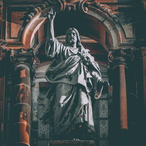 Nergal został uniewinniony od zarzutu obrazy uczuć religijnych